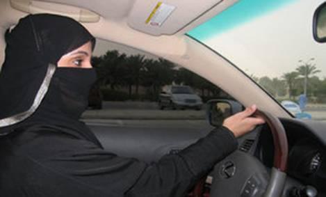 Muslim-woman-driver