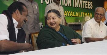 Jaya Participates Iftar Party