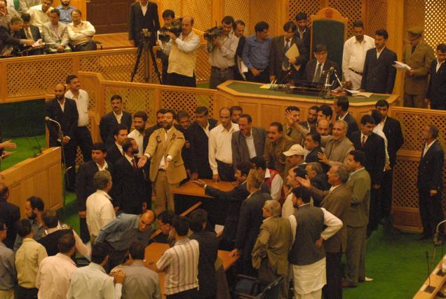 JK assembly-2013 MLAs fight