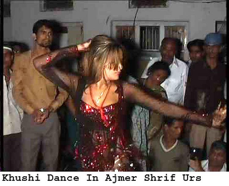 Khushi dance at Ajmir Sharif Urs
