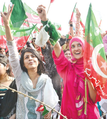 PAK-election women canvass2