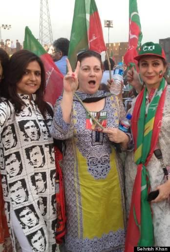 PAK-election women canvassing