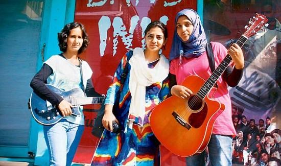 Kashmir girls band group.2