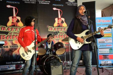 Kashmir girls band group.performing on the stage