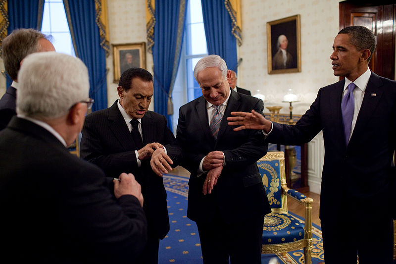 Hosni Mubarak, Benjamin Netanyahu, Barrack Obama and others checking their watches for sunset
