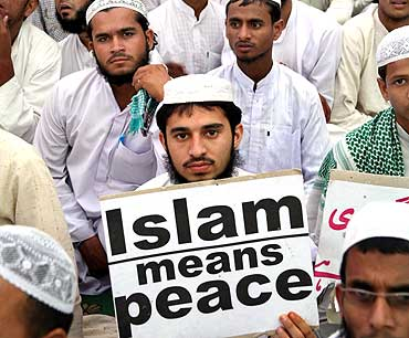 anti_terrorism_muslim_conference_Islam-means-peace