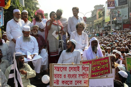 Manisha Banerjee, Siddiqullah Chowdhury, Ashim Chatterje, Samir Puttunda, and others personalities in a protest convention of Jamiat-e-Ulama WB at Burdwan on 20 oct 2014