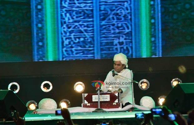 Ranbir-Kapoor-In-Rockstar-concert-03