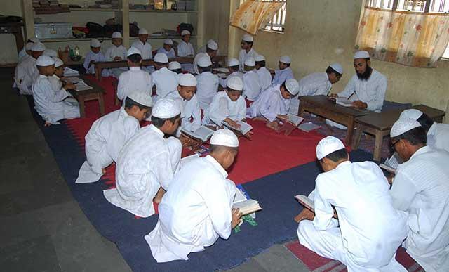 Ali Akbar narrating his experience in a Madrassa - pedophile