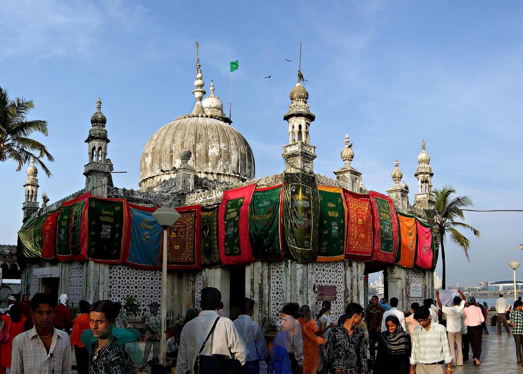 Haji Ali Dargah women were there before 2011