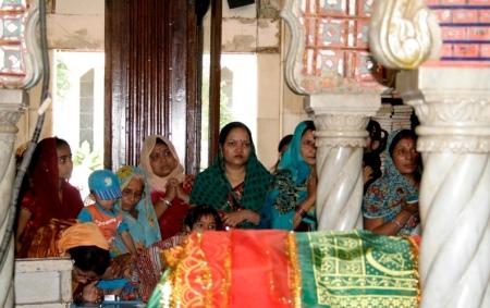 Women inside Haji Ali Dargah