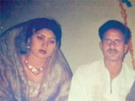 Qandeel Baloch with her ex-husband Aashiq Hussain
