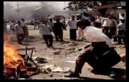 dulagarh-14-12-2016-rioters-with-cans-of-petrol-etc