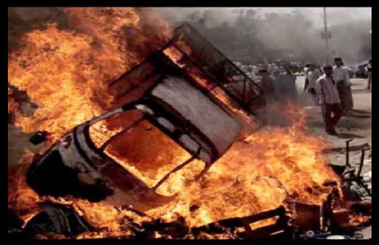 dulagarh-14-12-2016-vehicles-torched
