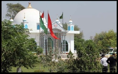 Sargohda - dargah - building