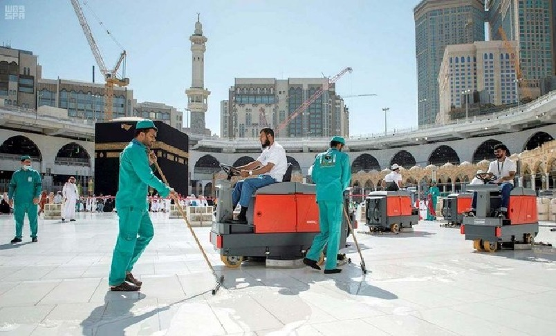 Cleaning Kaba in Mecca-6
